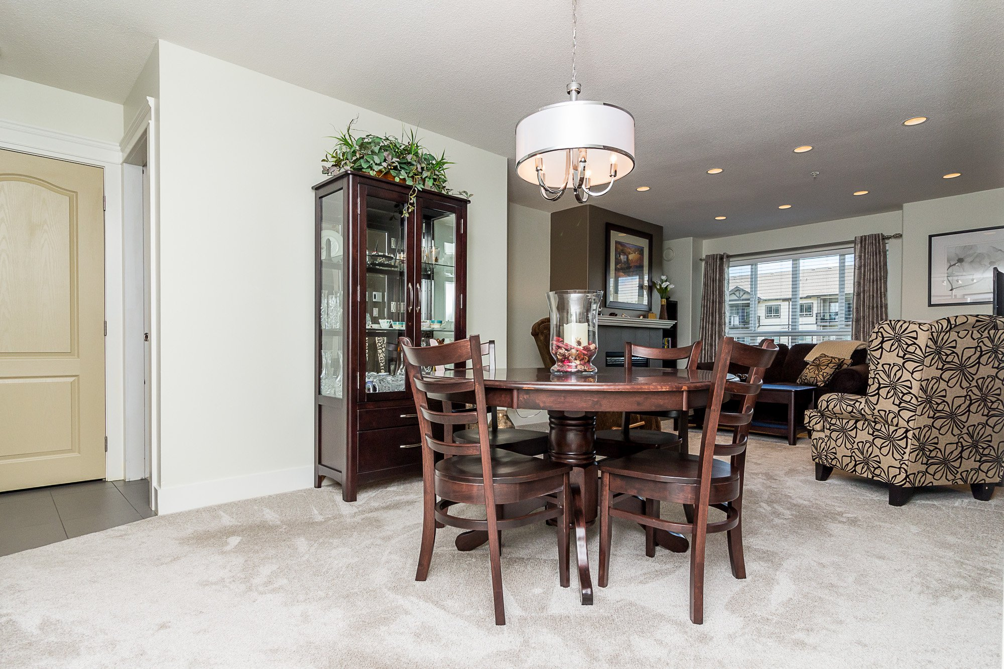 """Photo 7: Photos: 412 22022 49 Avenue in Langley: Murrayville Condo for sale in """"Murray Green"""" : MLS®# R2266359"""