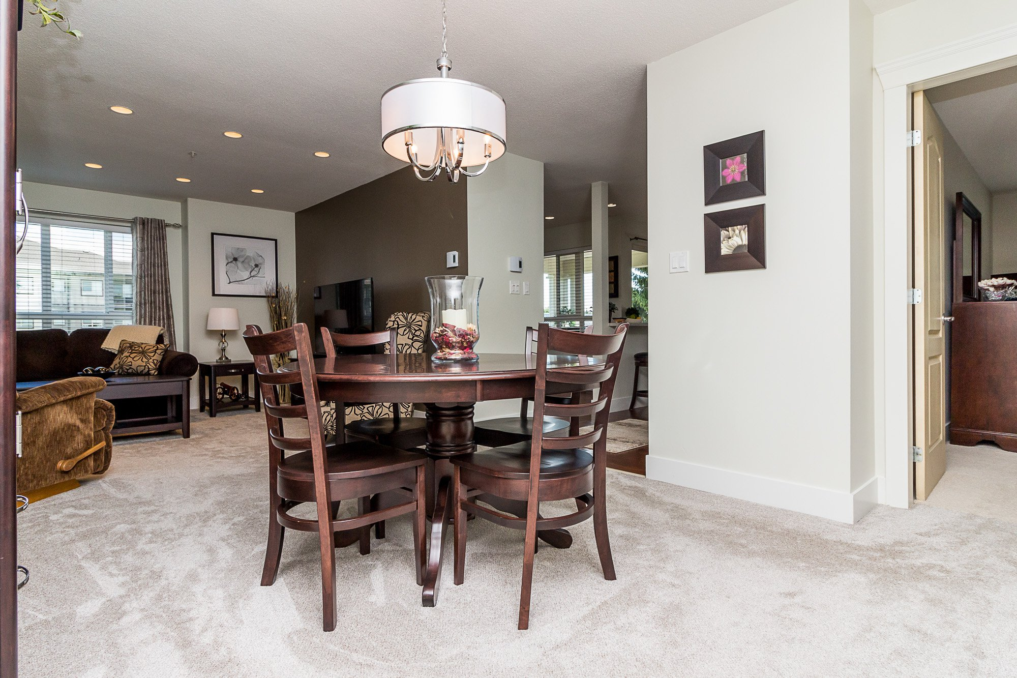 """Photo 6: Photos: 412 22022 49 Avenue in Langley: Murrayville Condo for sale in """"Murray Green"""" : MLS®# R2266359"""