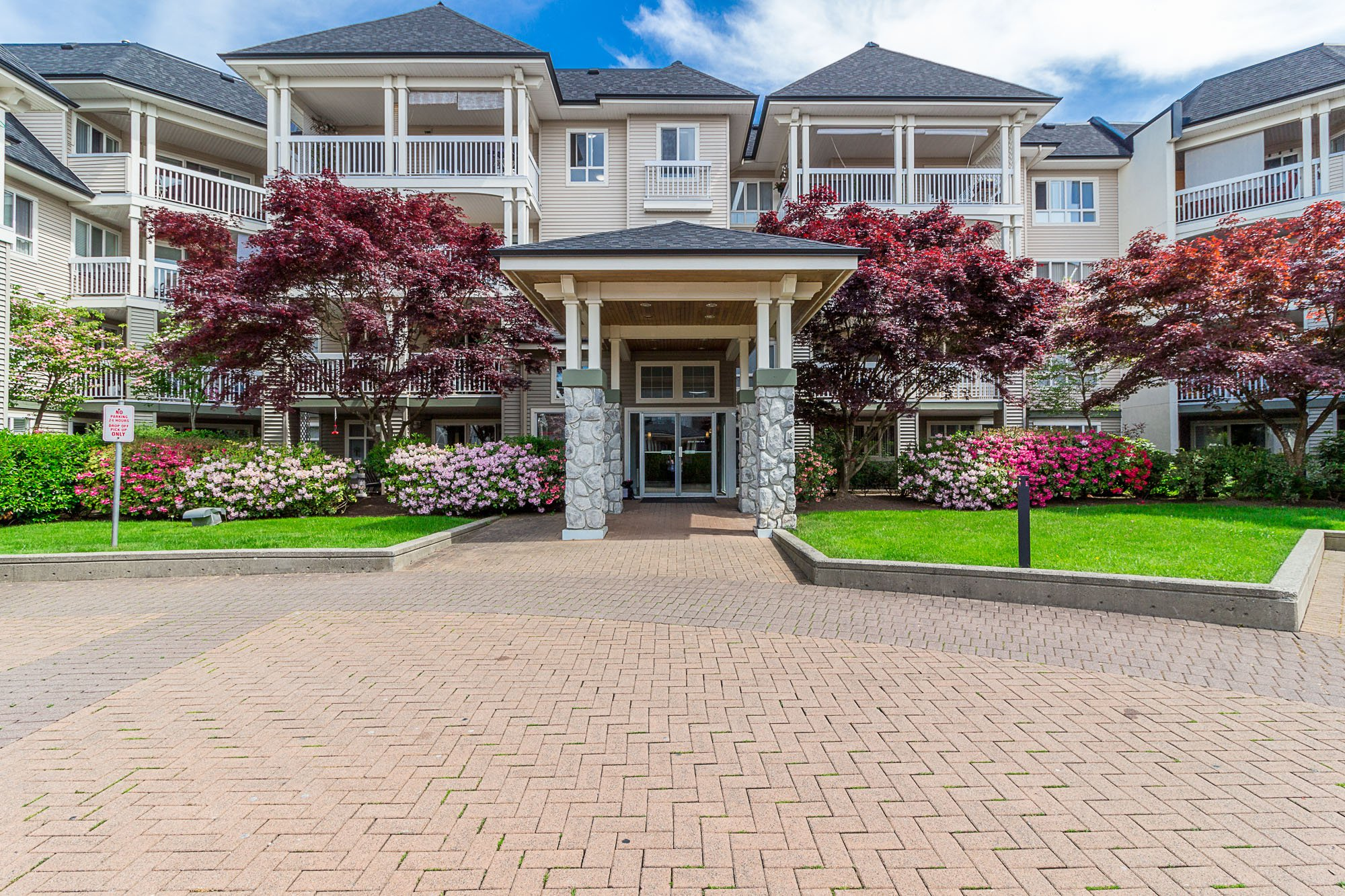 """Photo 28: Photos: 412 22022 49 Avenue in Langley: Murrayville Condo for sale in """"Murray Green"""" : MLS®# R2266359"""