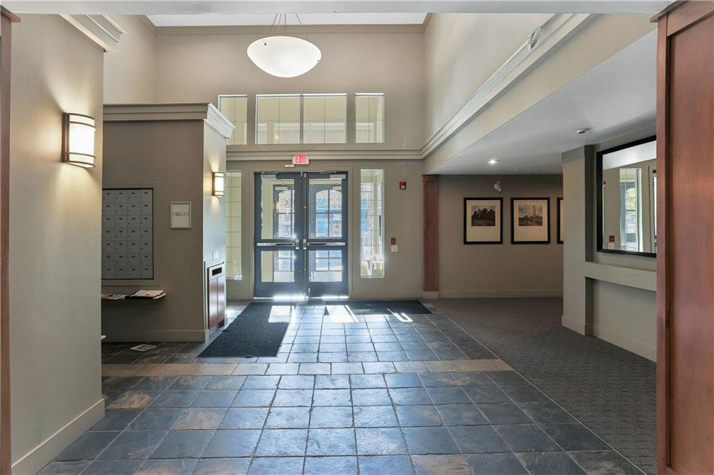 Main Photo: 315 35 RICHARD Court SW in Calgary: Lincoln Park Apartment for sale : MLS®# C4188098