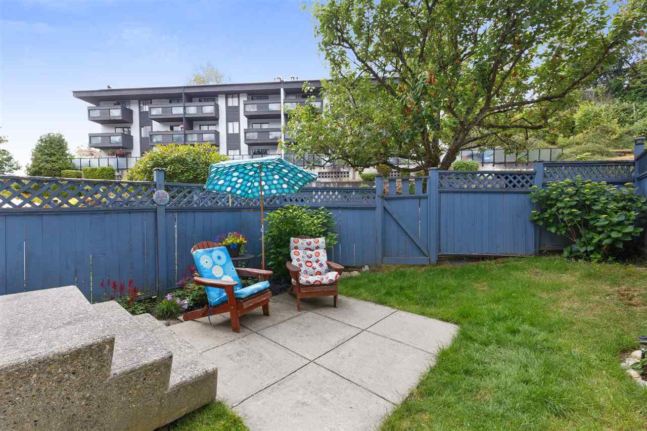 "Main Photo: 34 315 SCHOOLHOUSE Street in Coquitlam: Maillardville Townhouse for sale in ""ROCHESTER ESTATE"" : MLS®# R2281862"