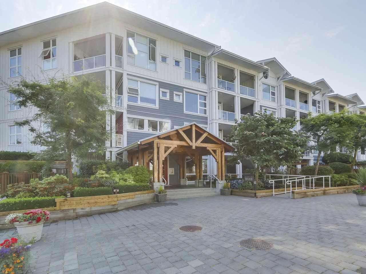 "Main Photo: 412 4600 WESTWATER Drive in Richmond: Steveston South Condo for sale in ""Copper Sky East"" : MLS®# R2294281"