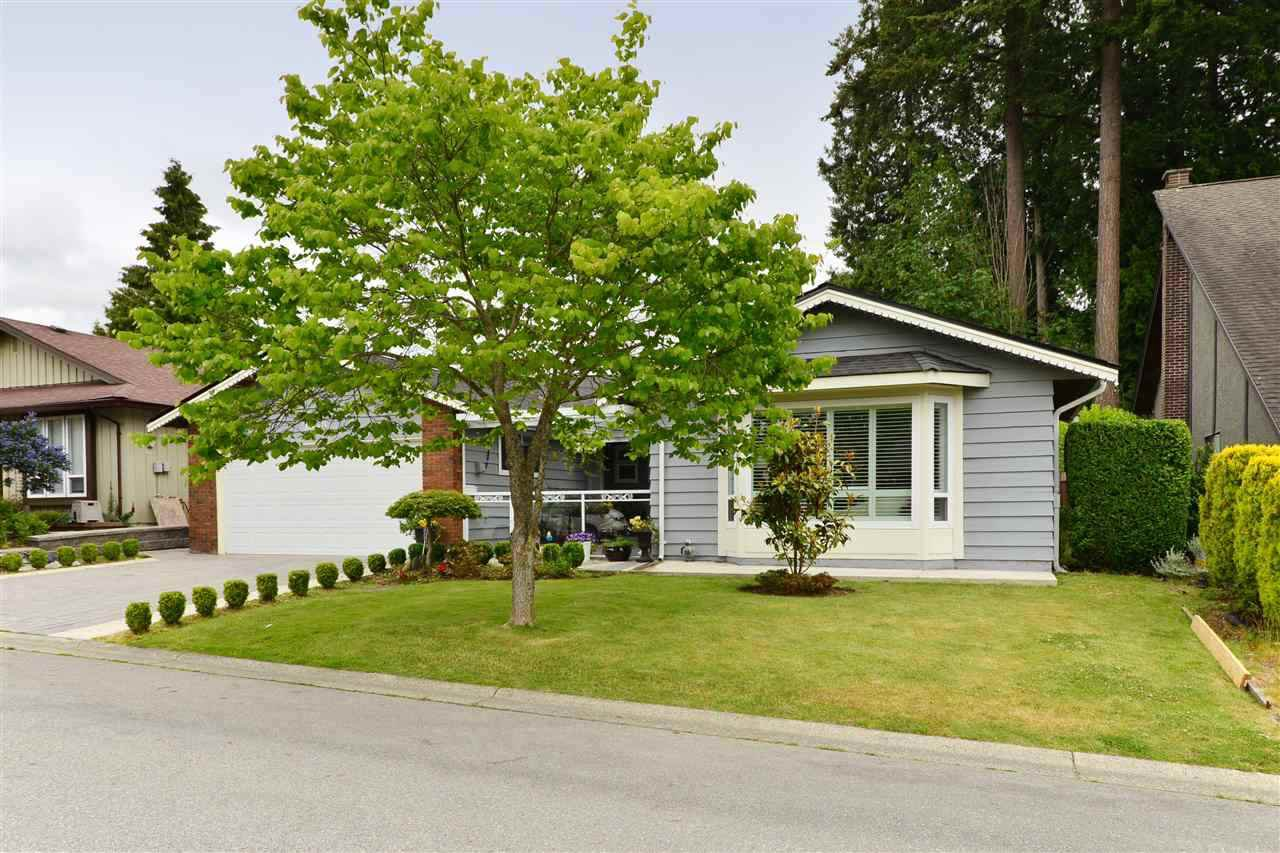 Main Photo: 1838 148A Street in Surrey: Sunnyside Park Surrey House for sale (South Surrey White Rock)  : MLS®# R2317048