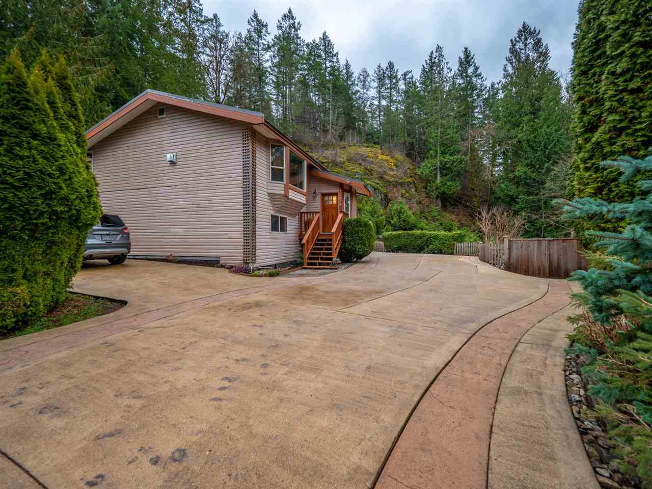 Photo 20: Photos: 12674 MERRILL Crescent in Pender Harbour: Pender Harbour Egmont House for sale (Sunshine Coast)  : MLS®# R2337589