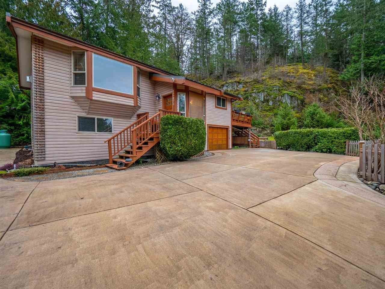 Photo 1: Photos: 12674 MERRILL Crescent in Pender Harbour: Pender Harbour Egmont House for sale (Sunshine Coast)  : MLS®# R2337589