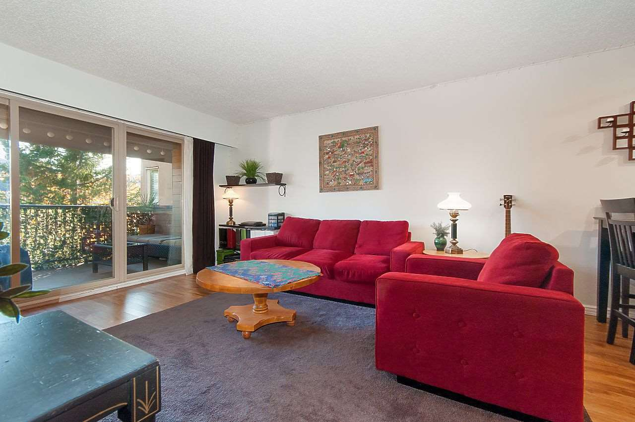 """Photo 8: Photos: 301 1260 W 10TH Avenue in Vancouver: Fairview VW Condo for sale in """"LABELLE COURT"""" (Vancouver West)  : MLS®# R2357702"""
