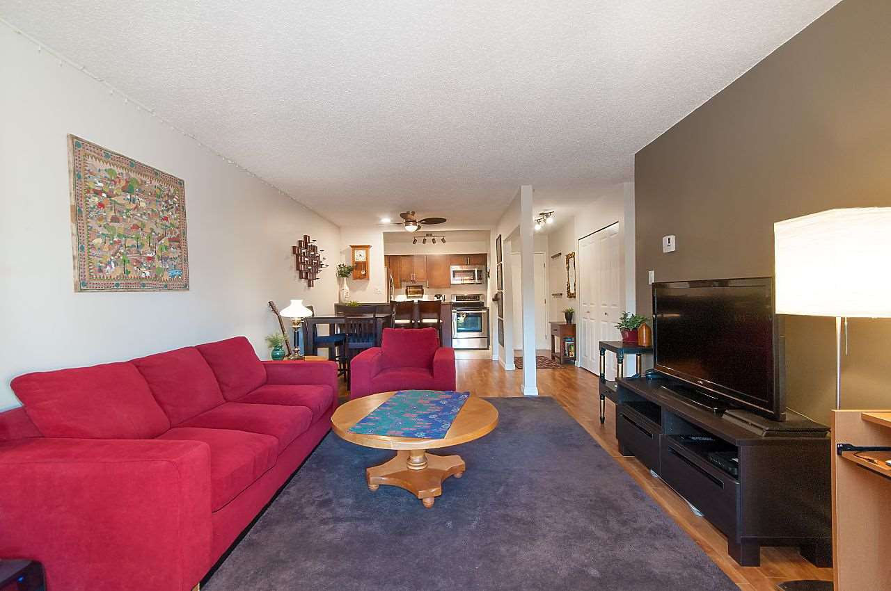 """Photo 10: Photos: 301 1260 W 10TH Avenue in Vancouver: Fairview VW Condo for sale in """"LABELLE COURT"""" (Vancouver West)  : MLS®# R2357702"""