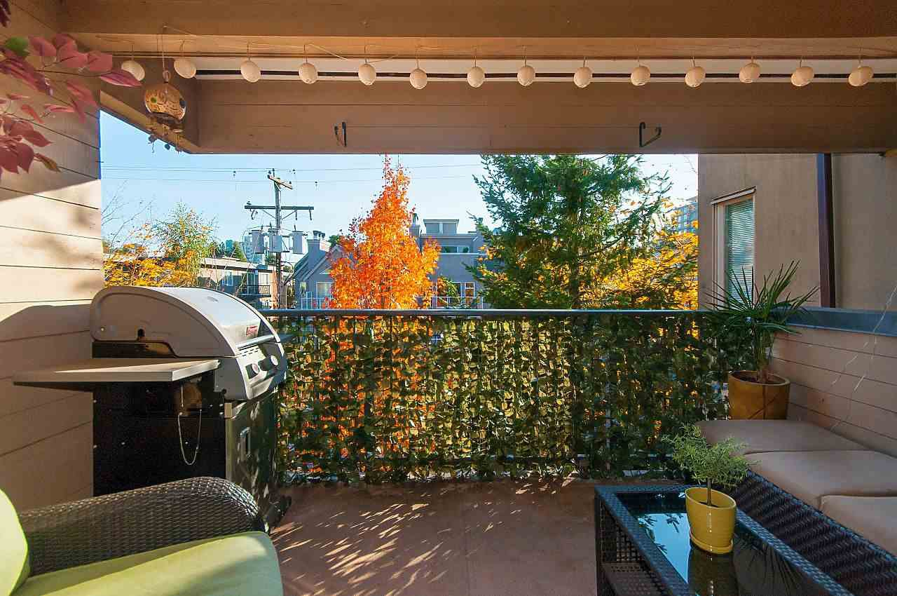 """Photo 15: Photos: 301 1260 W 10TH Avenue in Vancouver: Fairview VW Condo for sale in """"LABELLE COURT"""" (Vancouver West)  : MLS®# R2357702"""
