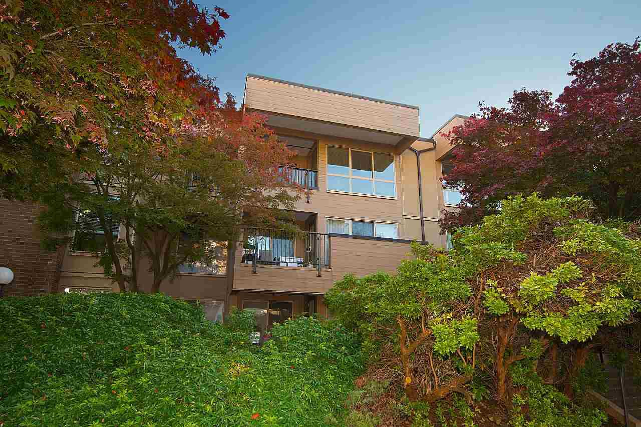 """Photo 18: Photos: 301 1260 W 10TH Avenue in Vancouver: Fairview VW Condo for sale in """"LABELLE COURT"""" (Vancouver West)  : MLS®# R2357702"""