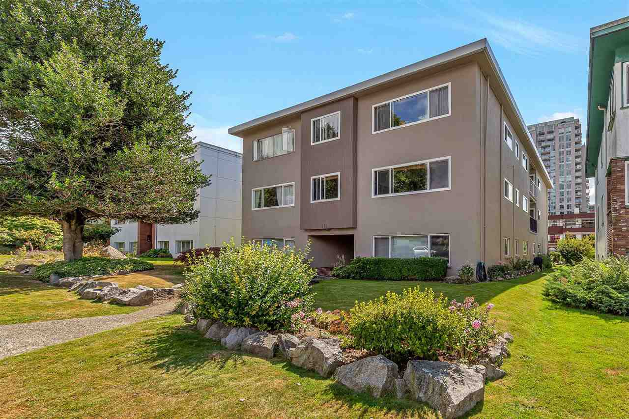 "Main Photo: 8 121 E 18TH Street in North Vancouver: Central Lonsdale Condo for sale in ""THE ROSELLA"" : MLS®# R2486996"
