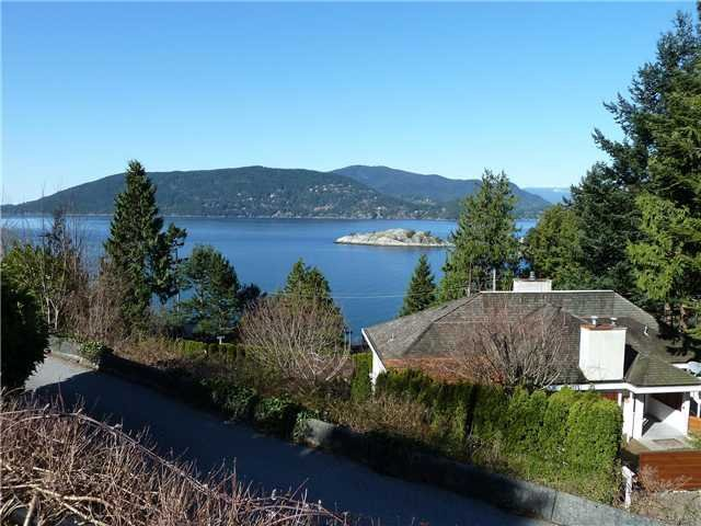 Main Photo: 6240 Wellington Ave in West Vancouver: Horseshoe Bay WV House for sale : MLS®# V939454