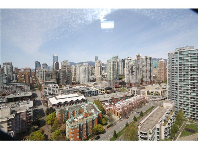 Main Photo: 2605 193 AQUARIUS Mews in Vancouver: Yaletown Condo for sale (Vancouver West)  : MLS®# V1058758