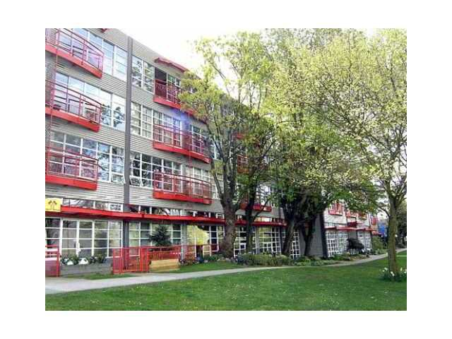 """Main Photo: 432 350 E 2ND Avenue in Vancouver: Mount Pleasant VE Condo for sale in """"MAIN SPACE"""" (Vancouver East)  : MLS®# V1063714"""