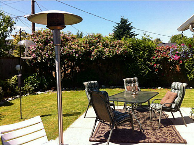 """Photo 18: Photos: 1397 TATLOW Avenue in North Vancouver: Norgate House for sale in """"Norgate"""" : MLS®# V1068905"""