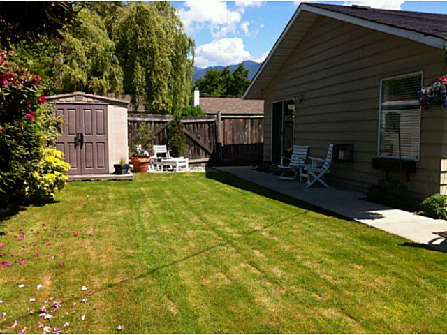 """Photo 15: Photos: 1397 TATLOW Avenue in North Vancouver: Norgate House for sale in """"Norgate"""" : MLS®# V1068905"""
