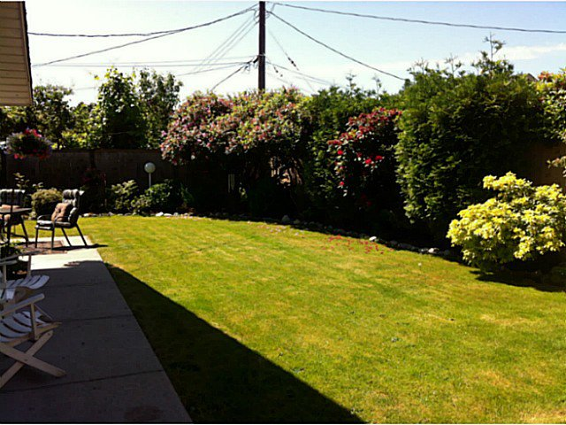 """Photo 17: Photos: 1397 TATLOW Avenue in North Vancouver: Norgate House for sale in """"Norgate"""" : MLS®# V1068905"""
