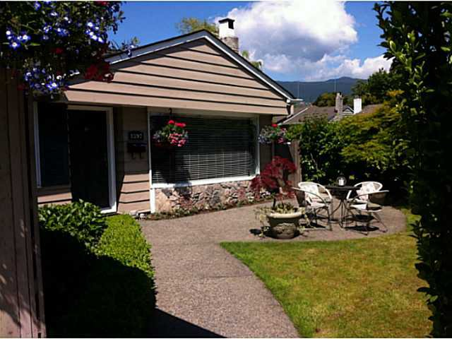 """Photo 2: Photos: 1397 TATLOW Avenue in North Vancouver: Norgate House for sale in """"Norgate"""" : MLS®# V1068905"""
