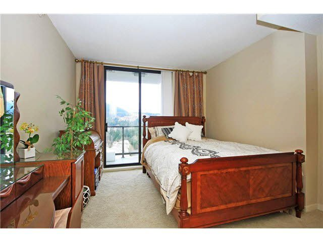 "Photo 10: Photos: 2705 2982 BURLINGTON Drive in Coquitlam: North Coquitlam Condo for sale in ""EDGEMONT"" : MLS®# V1111354"