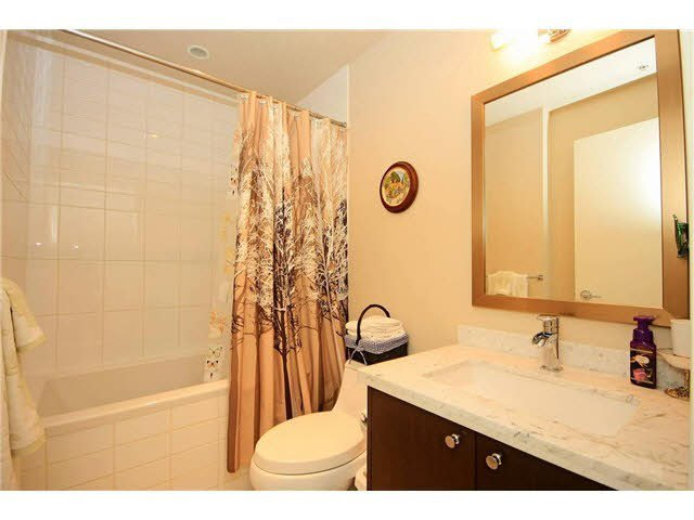 "Photo 13: Photos: 2705 2982 BURLINGTON Drive in Coquitlam: North Coquitlam Condo for sale in ""EDGEMONT"" : MLS®# V1111354"