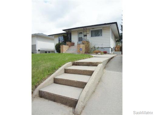 Main Photo: 934 P Avenue North in Saskatoon: Single Family Dwelling for sale : MLS®# 534981