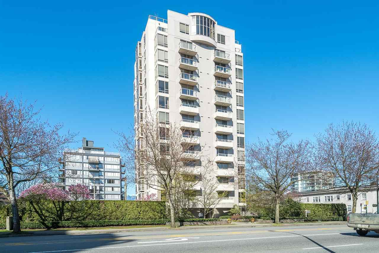 "Main Photo: 901 1405 W 12TH Avenue in Vancouver: Fairview VW Condo for sale in ""THE WARRENTON"" (Vancouver West)  : MLS®# R2053078"