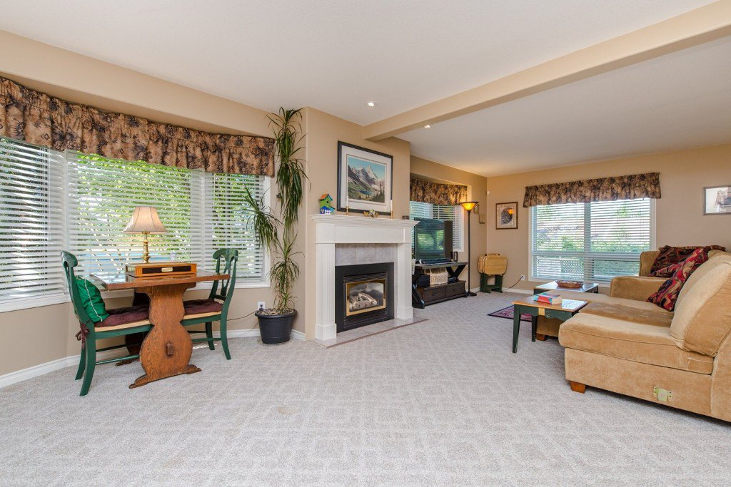 "Photo 11: Photos: 18190 92 Avenue in Surrey: Port Kells House for sale in ""PORT KELLS"" (North Surrey)  : MLS®# R2078409"