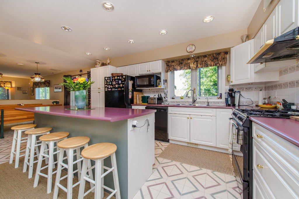 "Photo 16: Photos: 18190 92 Avenue in Surrey: Port Kells House for sale in ""PORT KELLS"" (North Surrey)  : MLS®# R2078409"