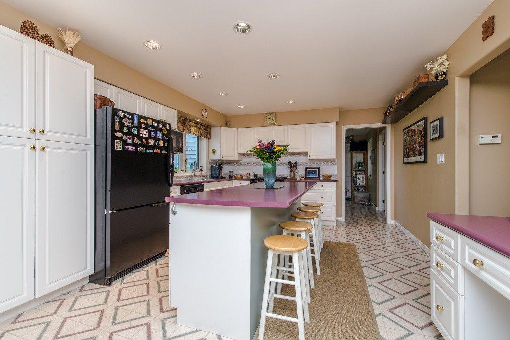 "Photo 18: Photos: 18190 92 Avenue in Surrey: Port Kells House for sale in ""PORT KELLS"" (North Surrey)  : MLS®# R2078409"