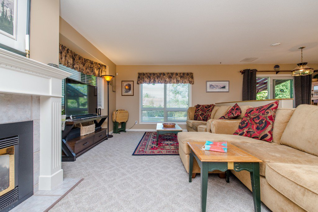 "Photo 12: Photos: 18190 92 Avenue in Surrey: Port Kells House for sale in ""PORT KELLS"" (North Surrey)  : MLS®# R2078409"