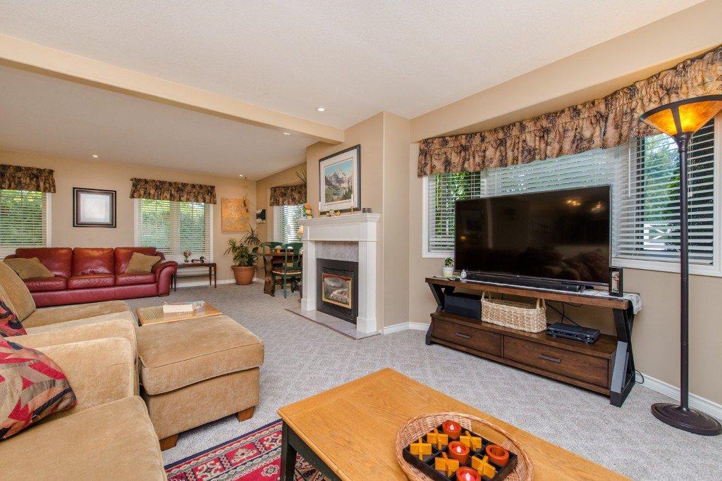 "Photo 13: Photos: 18190 92 Avenue in Surrey: Port Kells House for sale in ""PORT KELLS"" (North Surrey)  : MLS®# R2078409"