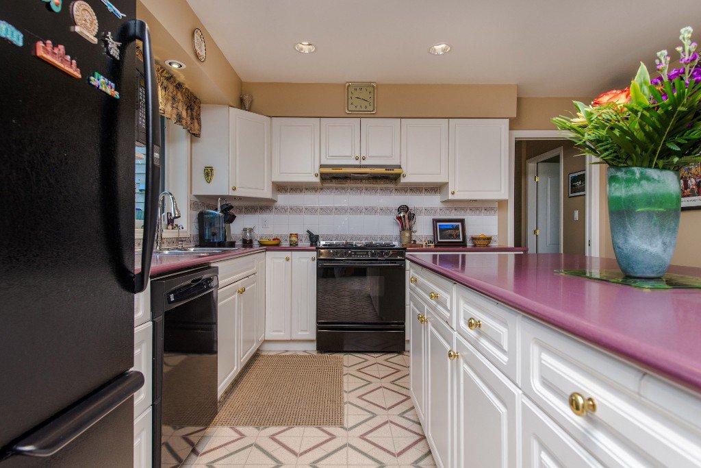 "Photo 19: Photos: 18190 92 Avenue in Surrey: Port Kells House for sale in ""PORT KELLS"" (North Surrey)  : MLS®# R2078409"