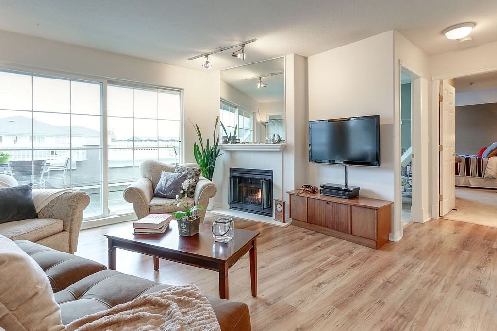 "Photo 3: Photos: 401 2388 WELCHER Avenue in Port Coquitlam: Central Pt Coquitlam Condo for sale in ""PARK GREEN"" : MLS®# R2142764"