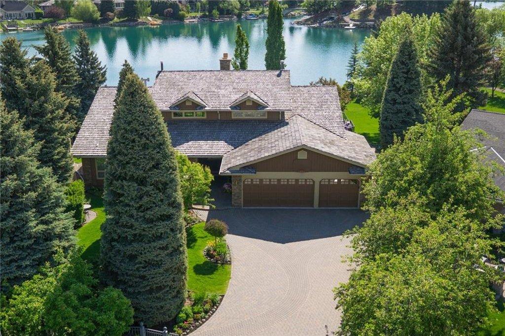 Main Photo: 120 LAKE PLACID Green SE in Calgary: Lake Bonavista House for sale : MLS®# C4120309