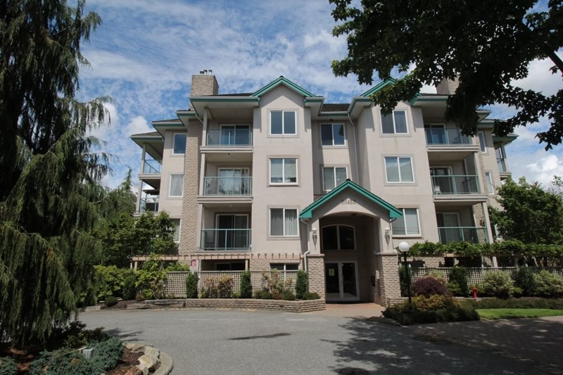 "Main Photo: 310 20453 53 Avenue in Langley: Langley City Condo for sale in ""Countryside Estates"" : MLS®# R2178947"