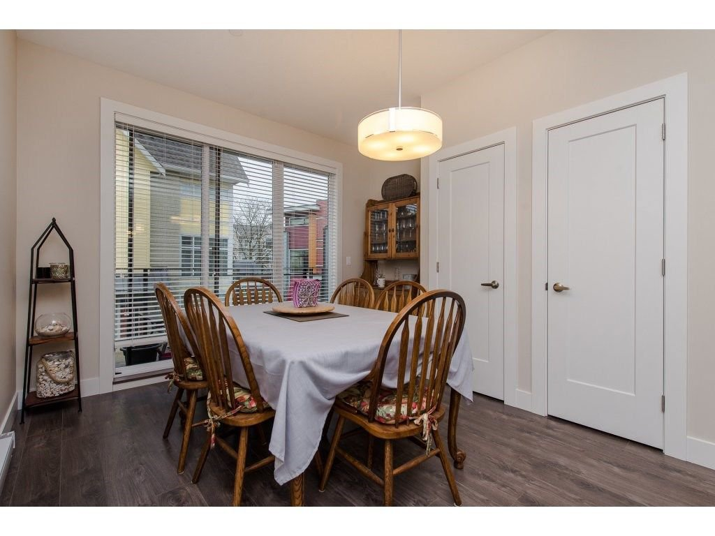 """Photo 7: Photos: 35 45615 TAMIHI Way in Sardis: Vedder S Watson-Promontory Townhouse for sale in """"EDGEMONT TOWNHOMES"""" : MLS®# R2243809"""
