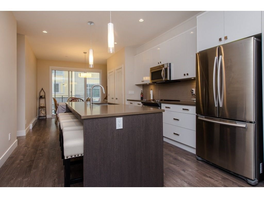 """Photo 6: Photos: 35 45615 TAMIHI Way in Sardis: Vedder S Watson-Promontory Townhouse for sale in """"EDGEMONT TOWNHOMES"""" : MLS®# R2243809"""