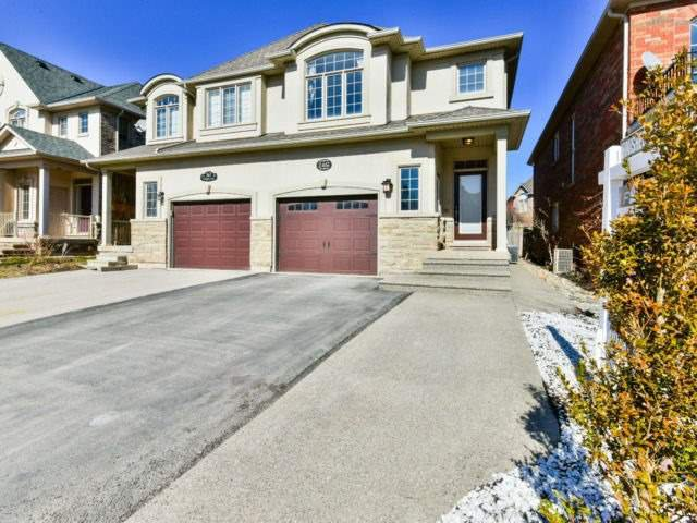 Main Photo: 2461 Felhaber Cres in Oakville: Iroquois Ridge North Freehold for sale : MLS®# W4071981