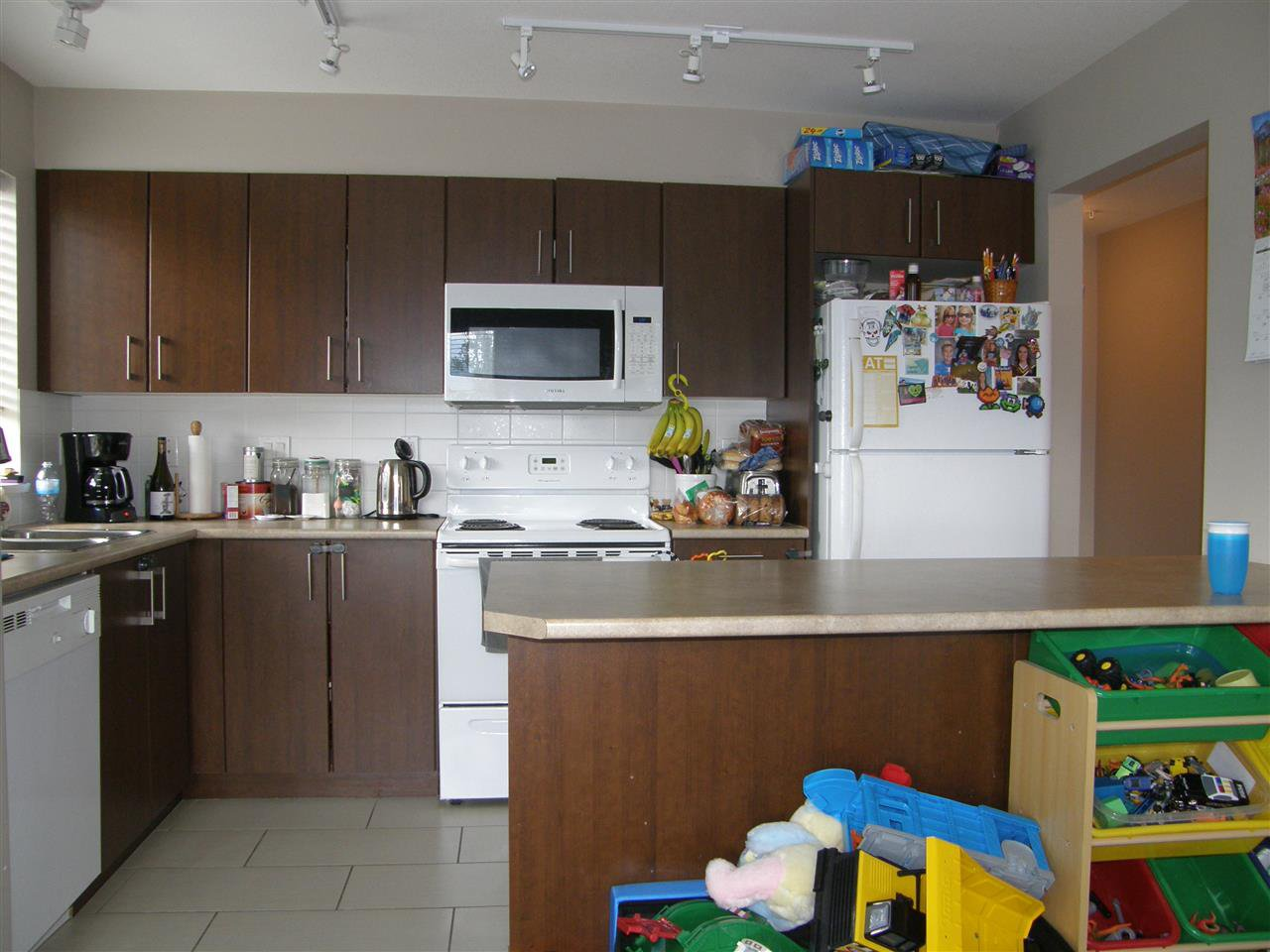 "Photo 4: Photos: 312 45559 YALE Road in Chilliwack: Chilliwack W Young-Well Condo for sale in ""VIBE CONDOS"" : MLS®# R2279002"