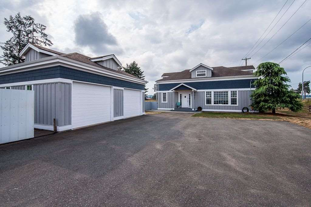 Main Photo: 4382 KING GEORGE Boulevard in Surrey: Serpentine House for sale (Cloverdale)  : MLS®# R2300955