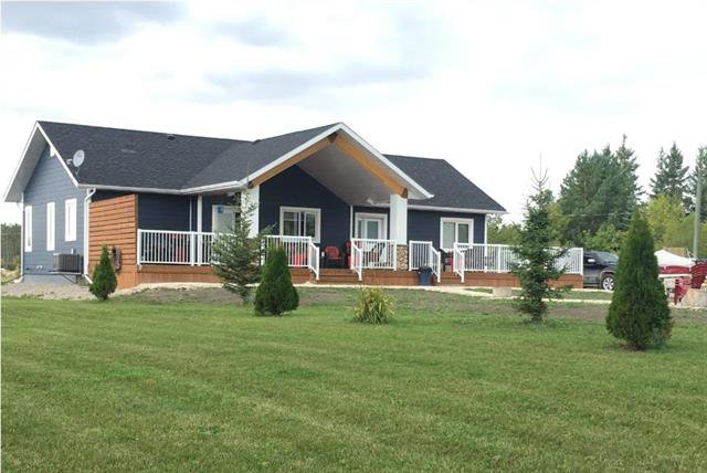Main Photo: 20 Linden Drive in Lac Du Bonnet RM: Grey Owl Park Residential for sale (R28)  : MLS®# 1908691