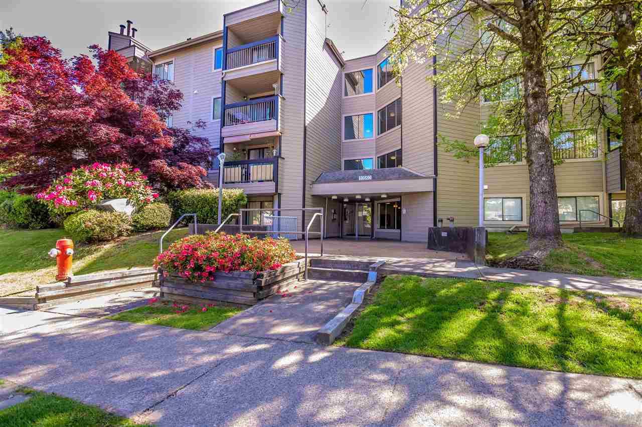 """Main Photo: 407 10560 154 Street in Surrey: Guildford Condo for sale in """"CREEKSIDE 1"""" (North Surrey)  : MLS®# R2369078"""