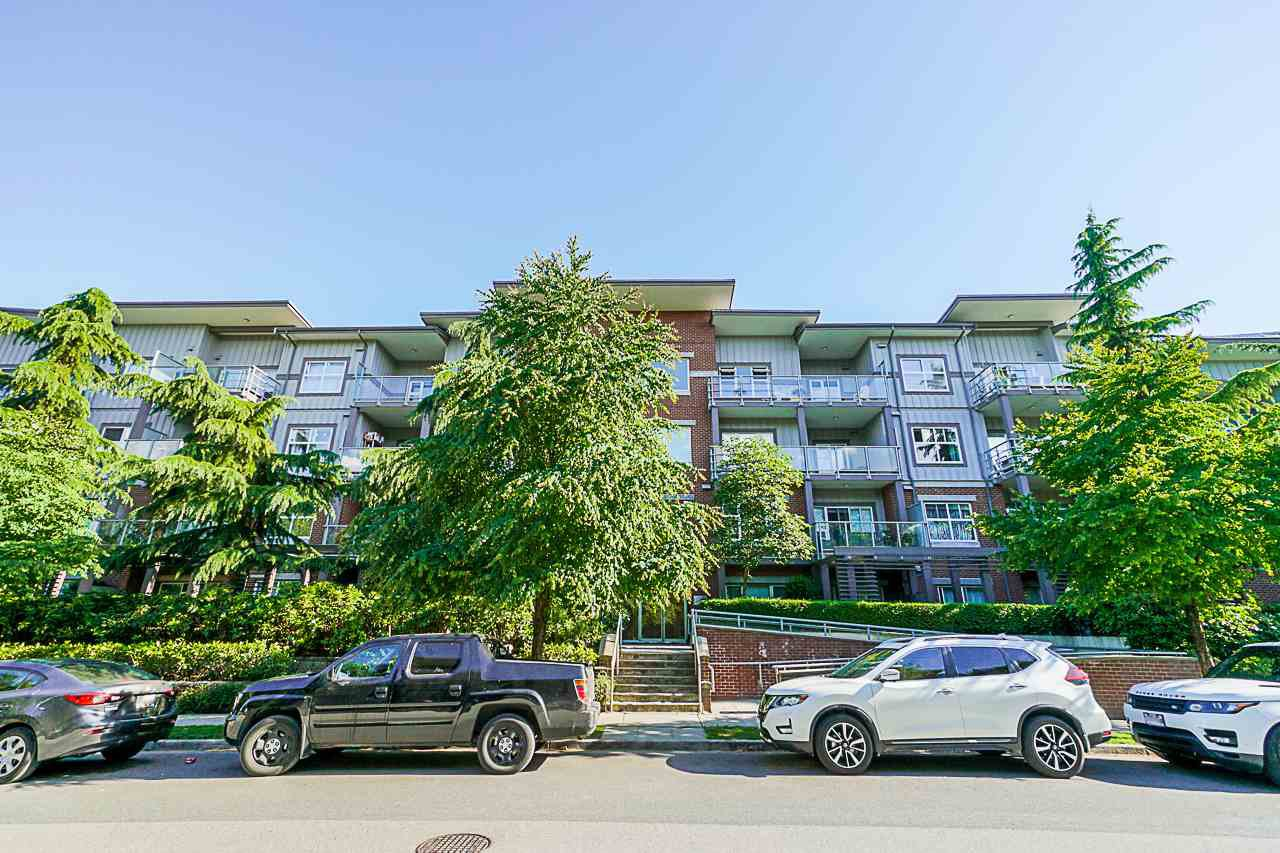 "Main Photo: 407 2488 KELLY Avenue in Port Coquitlam: Central Pt Coquitlam Condo for sale in ""SYMPHONY AT GATES PARK"" : MLS®# R2379920"