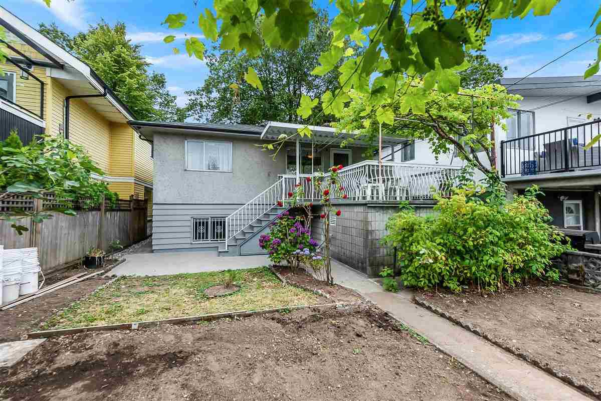 Photo 20: Photos: 2135 E 2ND Avenue in Vancouver: Grandview Woodland House for sale (Vancouver East)  : MLS®# R2385664