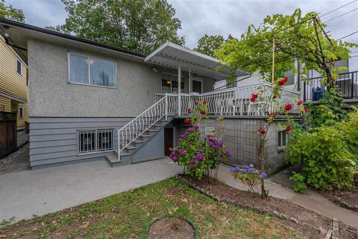 Photo 18: Photos: 2135 E 2ND Avenue in Vancouver: Grandview Woodland House for sale (Vancouver East)  : MLS®# R2385664