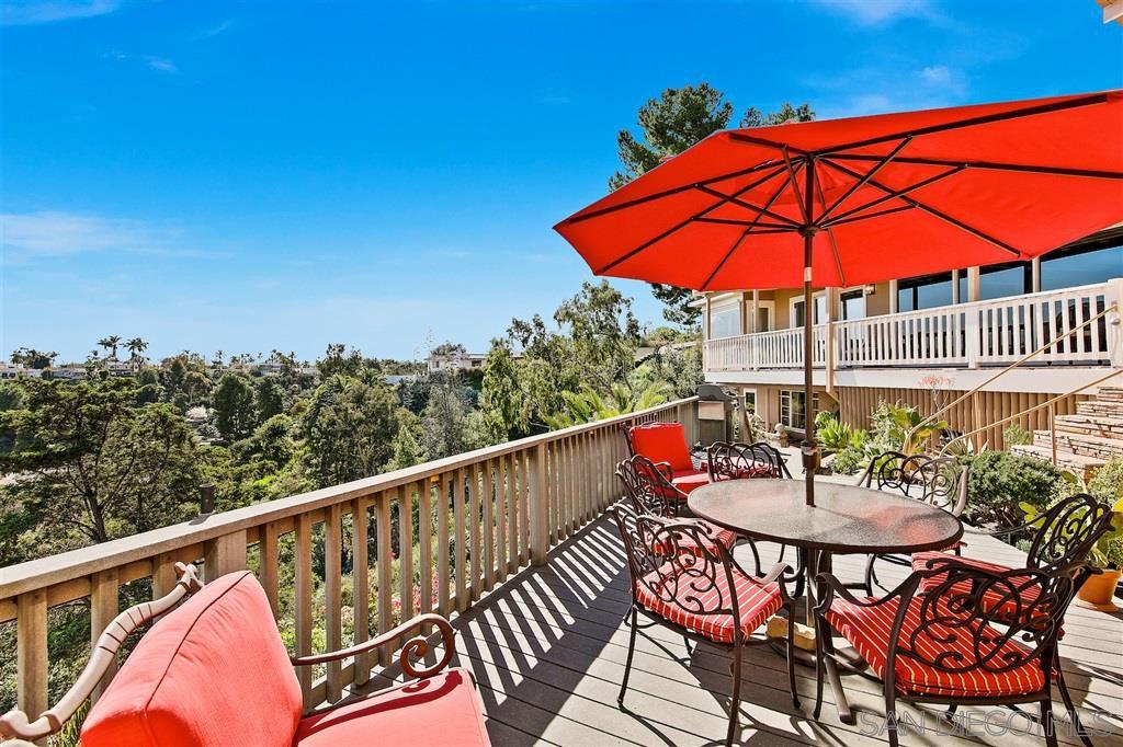 Main Photo: KENSINGTON House for sale : 4 bedrooms : 4343 Ridgeway Drive in San Diego