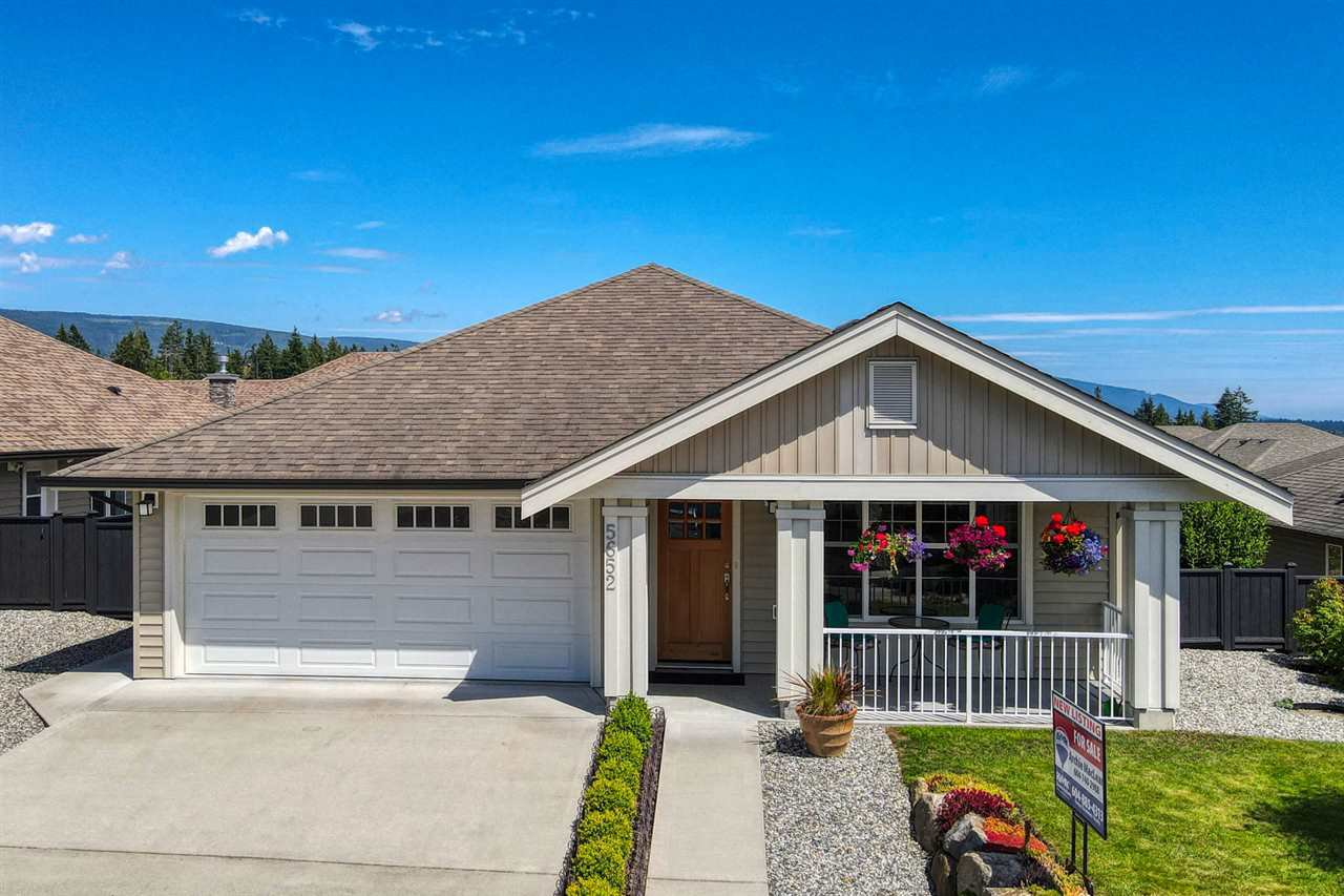 "Main Photo: 5652 ANDRES Road in Sechelt: Sechelt District House for sale in ""TYLER HEIGHTS"" (Sunshine Coast)  : MLS®# R2470752"