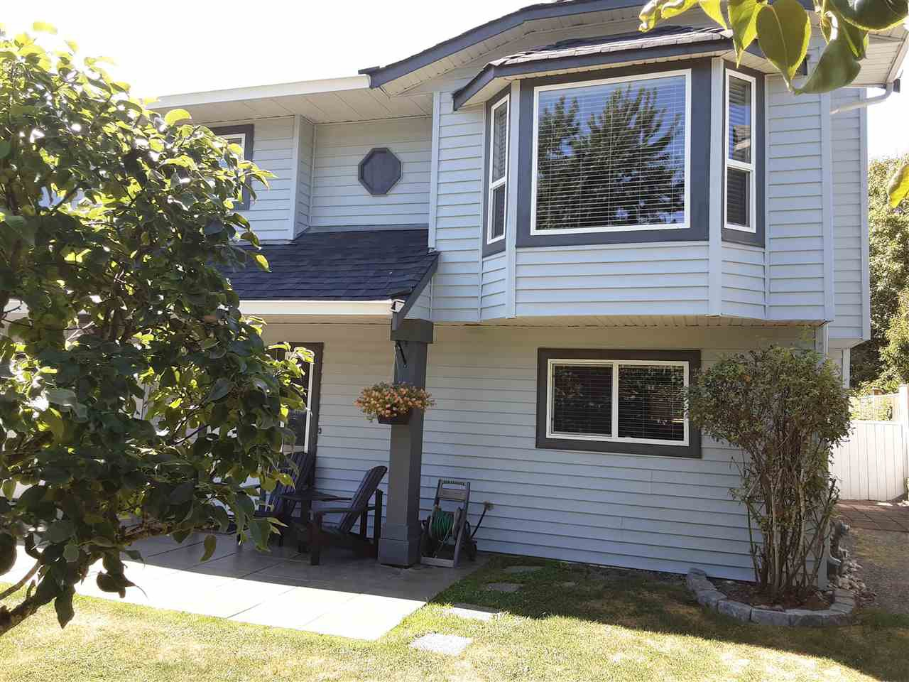 Photo 4: Photos: 3287 274 Street in Langley: Aldergrove Langley House for sale : MLS®# R2484329