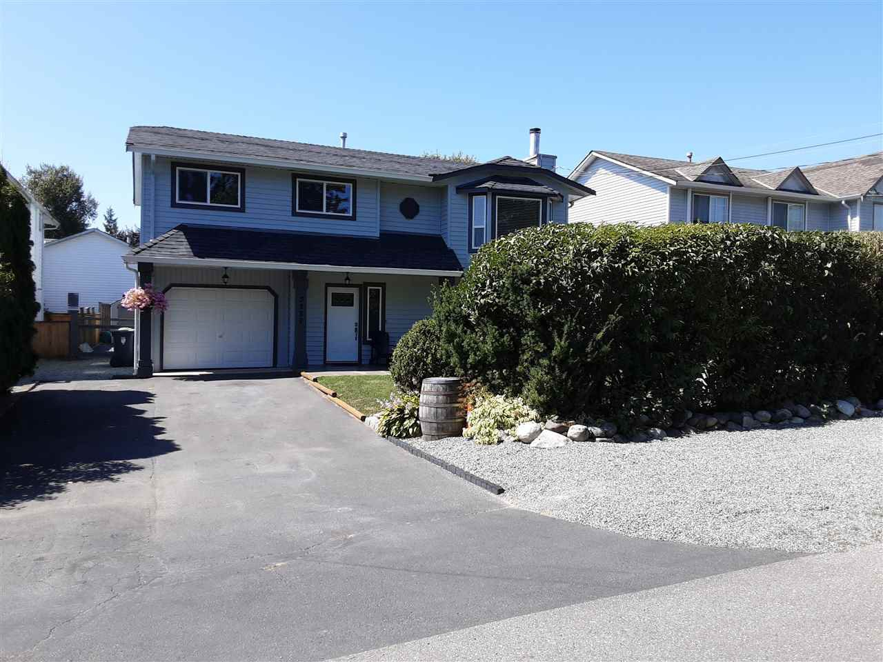 Photo 3: Photos: 3287 274 Street in Langley: Aldergrove Langley House for sale : MLS®# R2484329