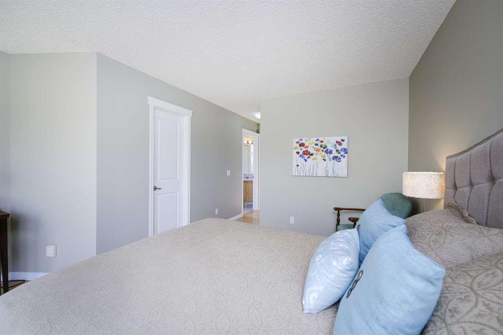 Photo 34: Photos: 51 38A Avenue SW in Calgary: Parkhill Row/Townhouse for sale : MLS®# A1043066