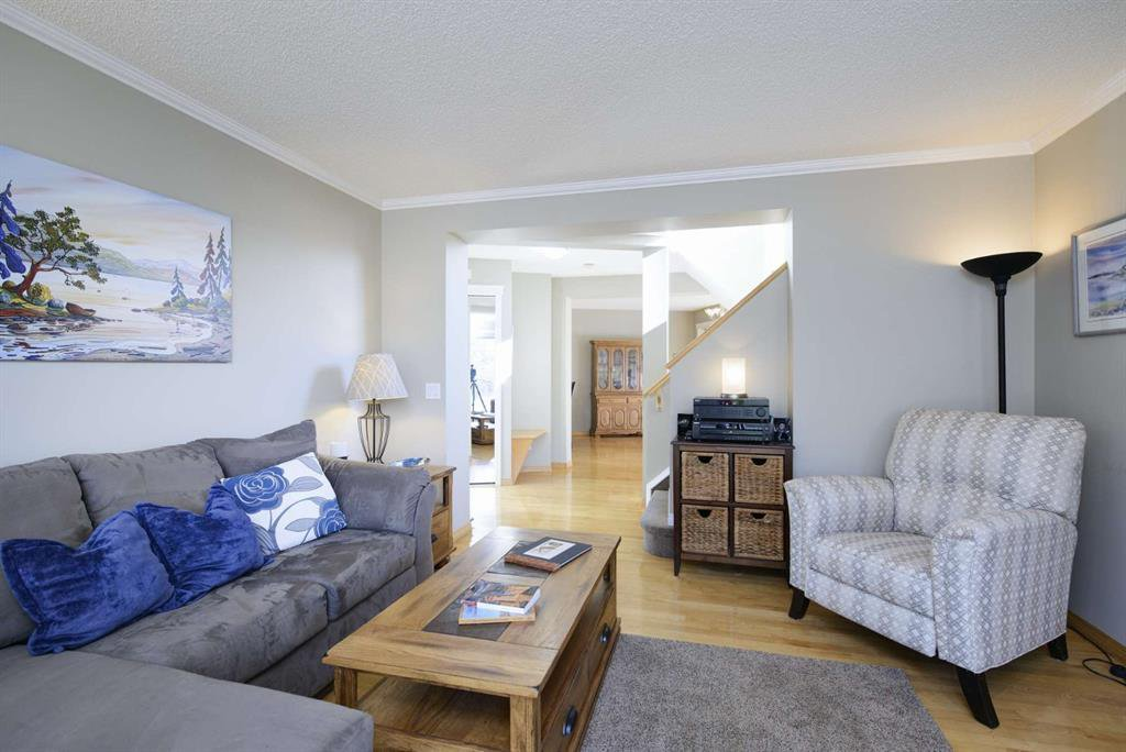 Photo 9: Photos: 51 38A Avenue SW in Calgary: Parkhill Row/Townhouse for sale : MLS®# A1043066